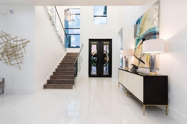 Inspiration for a contemporary home design remodel in Orlando