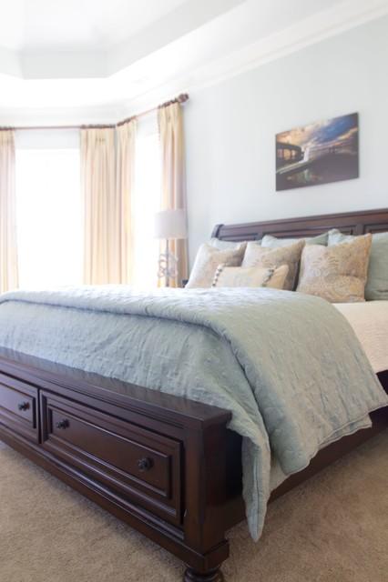 Cozy Farmhouse farmhouse-bedroom