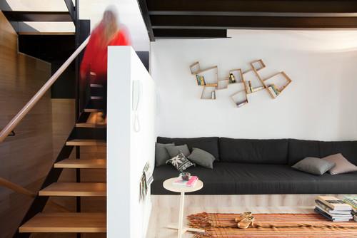 salon de casa con piscina en barcelona diariodesign