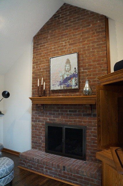 Transitional home design photo in Indianapolis