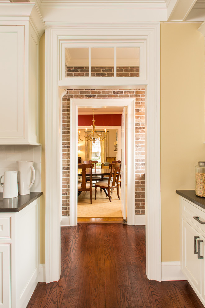 Example of a transitional home design design in Atlanta