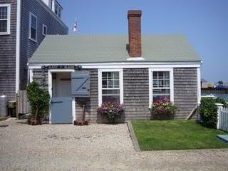 Maintenance of cedar shingles for Nantucket shingles