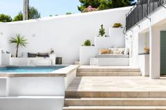 Avant/Après : Les Cyclades s'invitent dans un jardin marseillais