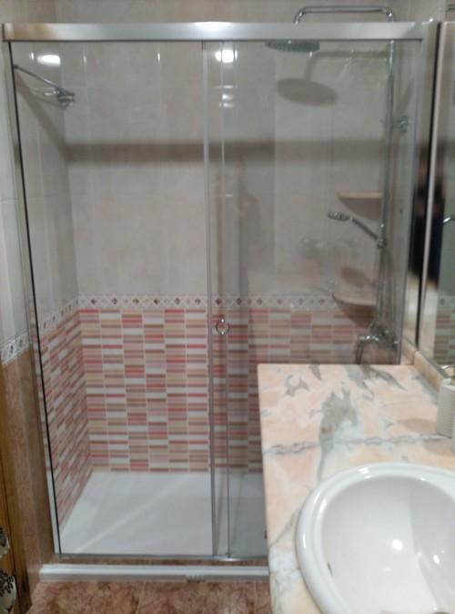 Reforma baño: cambio de bañera por plato de ducha