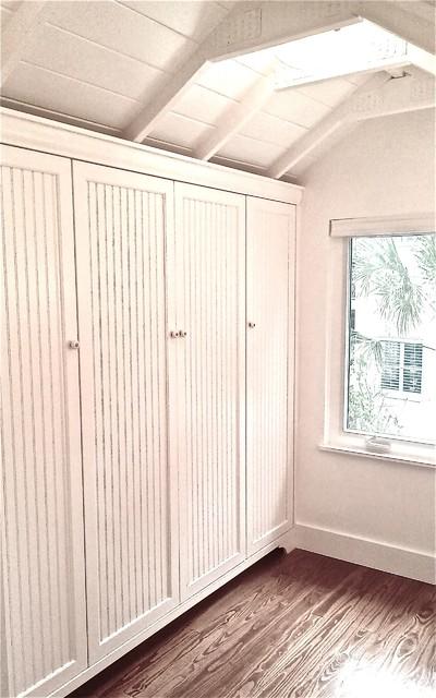 Attrayant Beadboard Inset Closet Doors In Master Bath   Craftsman ...