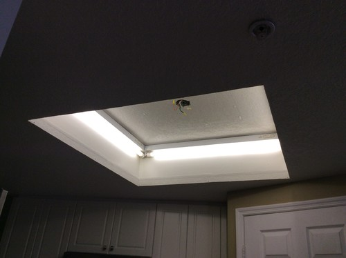 Help Ugly Kitchen Ceiling Square Needing Facelift - Kitchen center light fixture