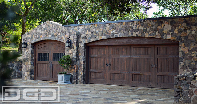 Handcrafted Rustic Garage Door Amp Automatic Carriage Doors