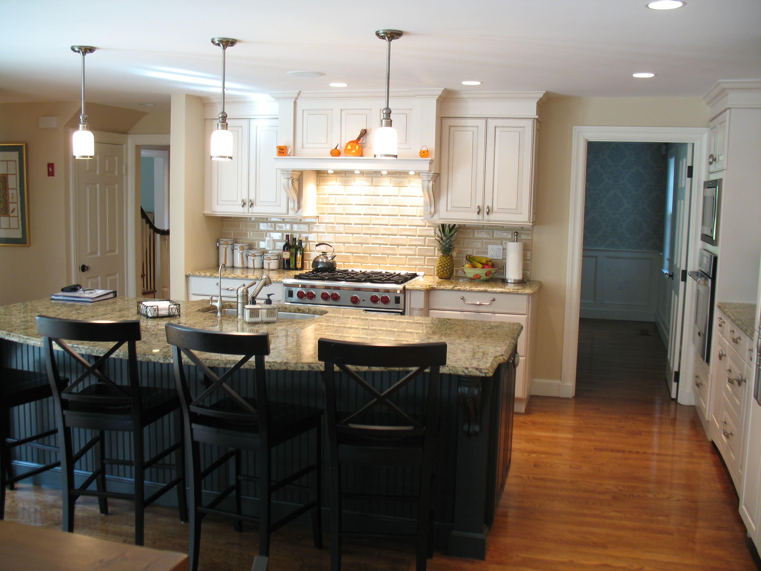 38 Thackeray, Wellesley, MA - Kitchen & Family Rm