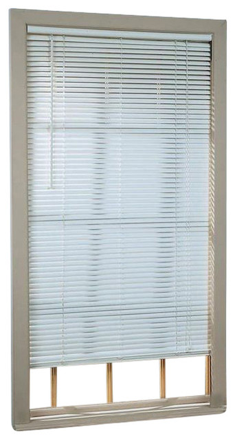 "Deluxe Sundown 1"" Room Darkening Mini Blind, 36""x64"", White."