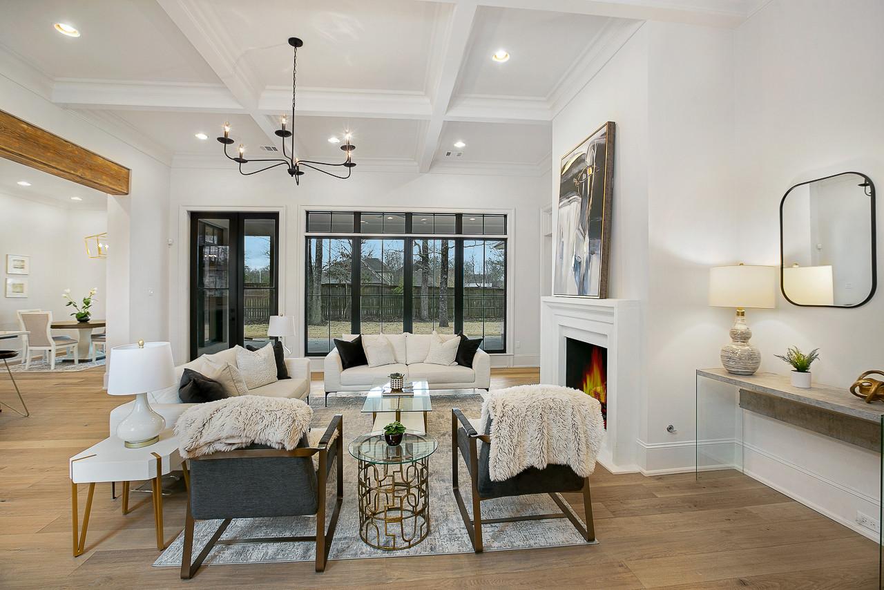 Bricklin Dr.  |  Louisiana French Transitional - Living Room - Baton Rouge | Man