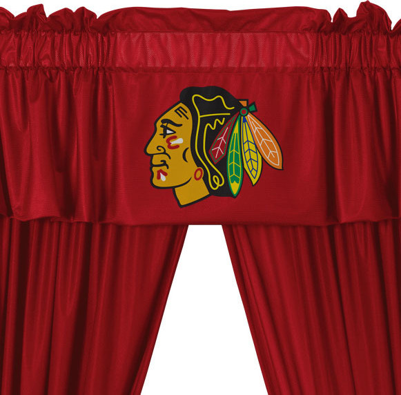 "Nhl Chicago Blackhawks 5-Piece Curtains And Valance Set, 82""x63""."