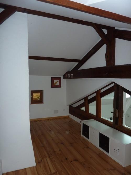 Une nouvelle chambre sous les combles et son bureau for Deco chambre avec poutre apparente