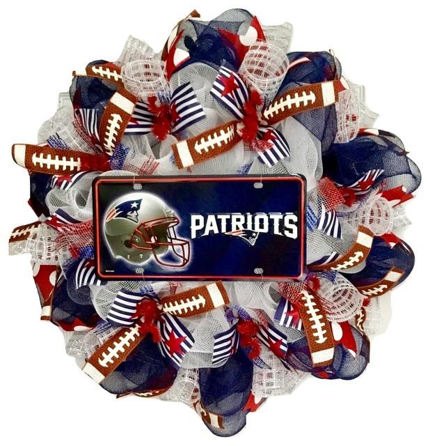 New England Patriots Football Sports Wreath Handmade Deco Mesh.