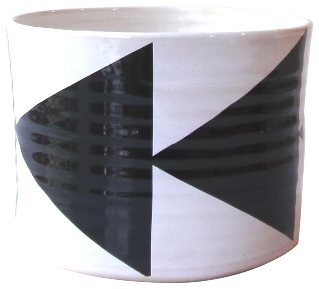 Small Arrows Bowl, Black