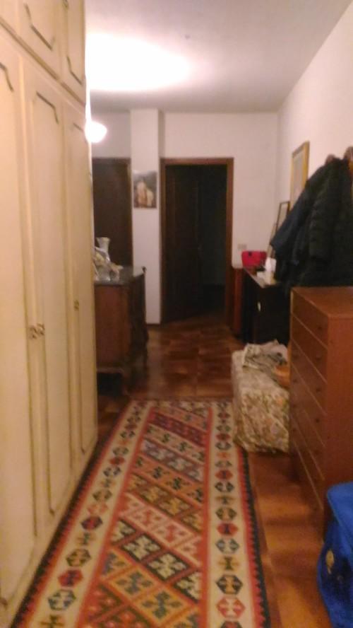 Ho bisogno di aiuto per corridoio e chiusura zona notte for Ho bisogno di una casa