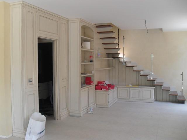 Scala con arredo abitazione privata - Scala soggiorno ...