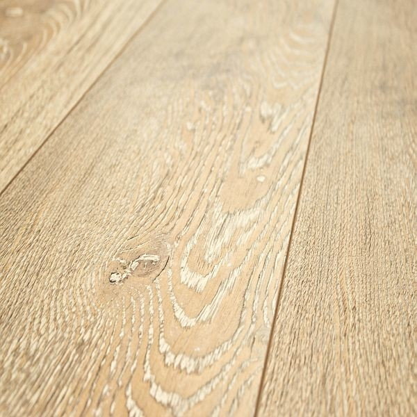 Kronoswiss grand selection canyon weathered oak 12 mm for Kronoswiss laminate flooring