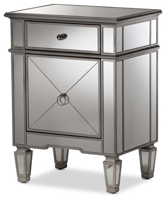 Hawthorne Collection Mirrored Nightstand In Silver
