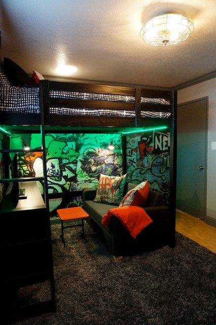 Industrial teenage bedroom for Cool gamer bedroom ideas