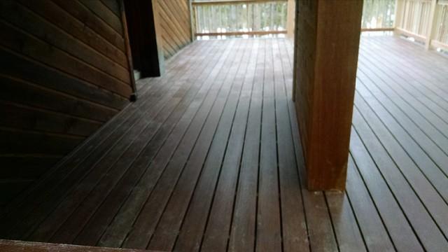 Breckenridge deck modern