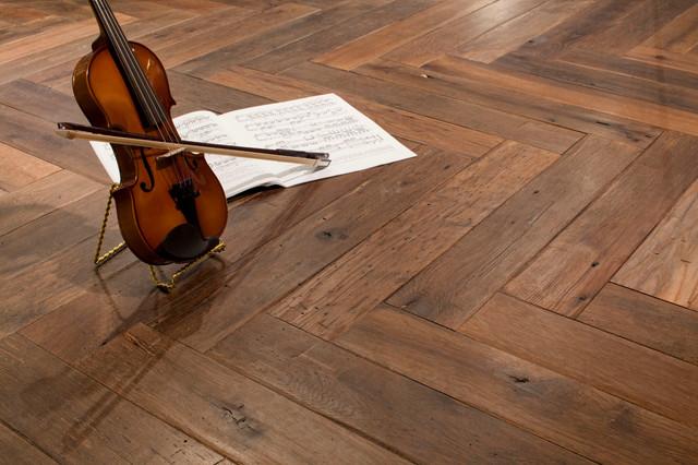 Reclaimed Oak Flooring - Chevron Pattern