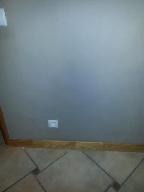 couleur de sol avec un mur taupe