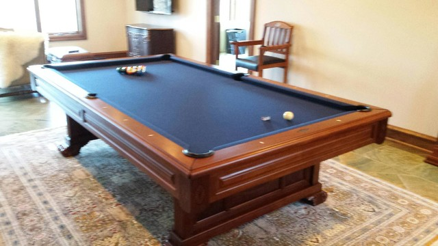Nice Upscale Brunswick Pool Table With Navy Cloth