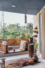 Bangalore Houzz: Indian Art & Handicrafts Sit Snug in a Modern Flat