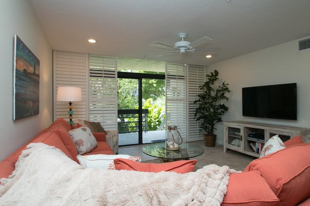 Home design - beach style home design idea in Tampa