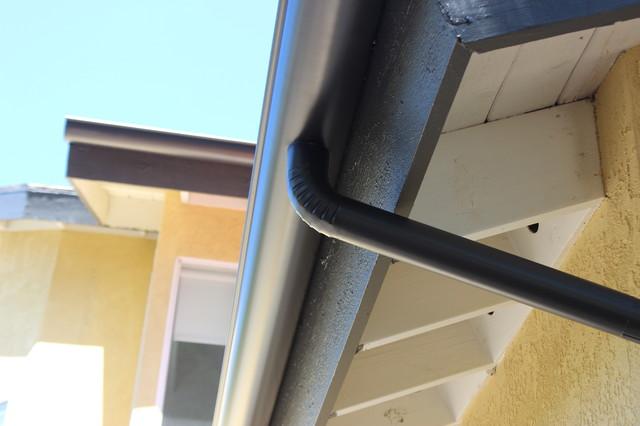6 Inch Half Round Rain Gutters In Malibu Dark Bronze