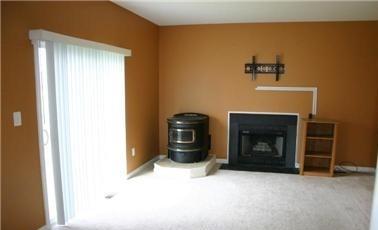 Fireplace/pellet stove dilemma! Design idea help needed!