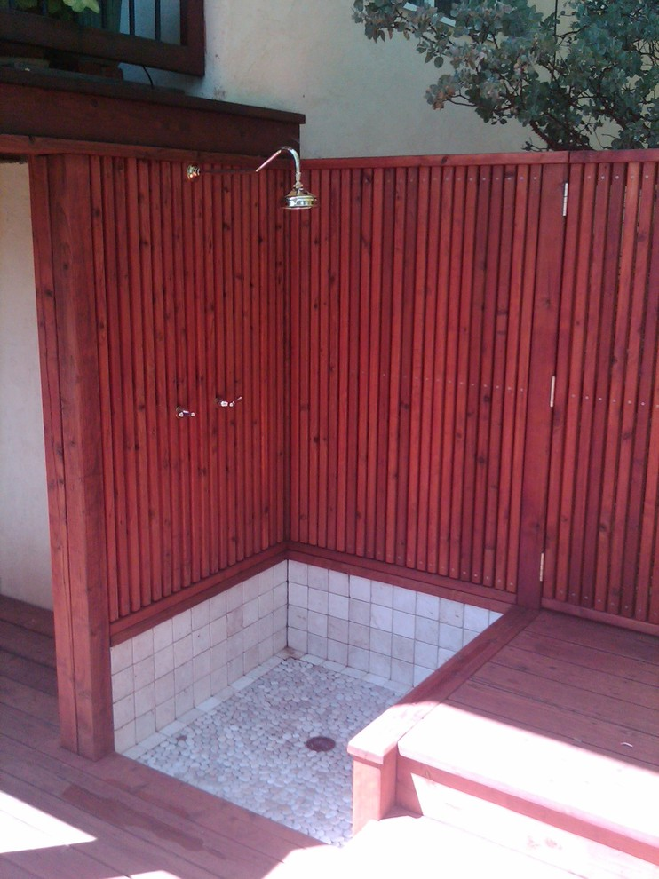 Outdoor shower with deck and surround