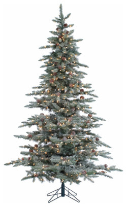 Lightly Flocked McKinley Pine With 650 clear lights, 7.5 Foot