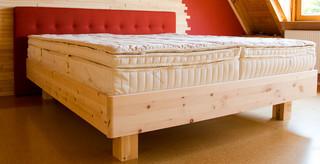 Zirbenholzbetten und Zirbenholz Schlafzimmer - Modern - Nürnberg