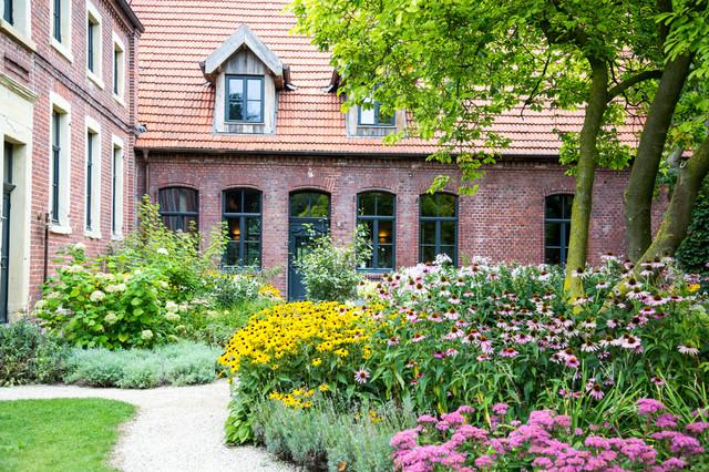 Wie Sie Ein Blumenbeet Anlegen Profi Anleitung Vom Gartenplaner