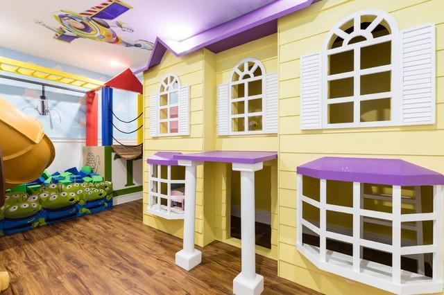 Example of a trendy home design design in Orlando