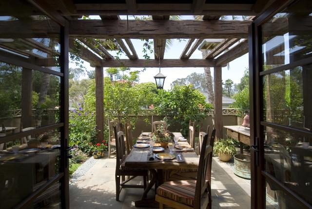 Custom Homes rustic-patio