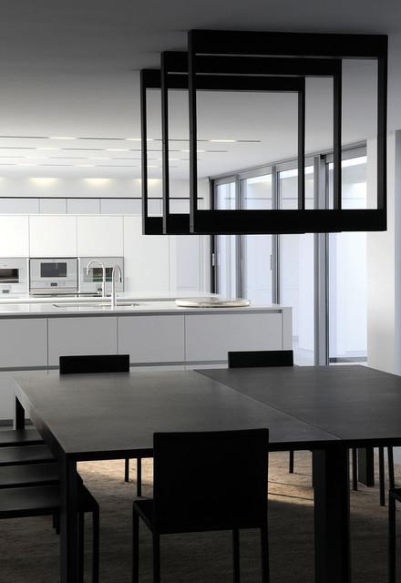 cadre. Black Bedroom Furniture Sets. Home Design Ideas