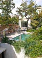 Avant/Après : À Marseille, une mini-piscine sublime un jardin