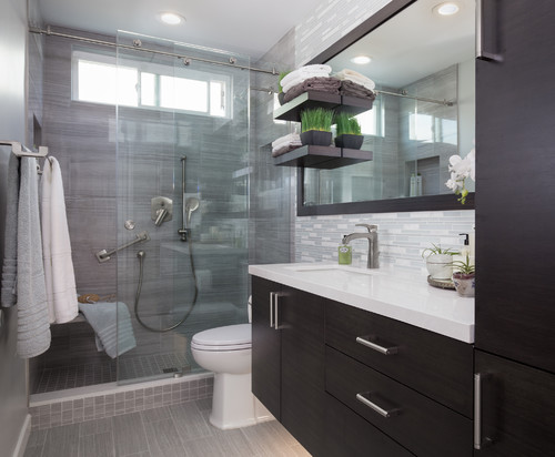 Cool master bathroom in redondo beach ca for Cool master bathrooms
