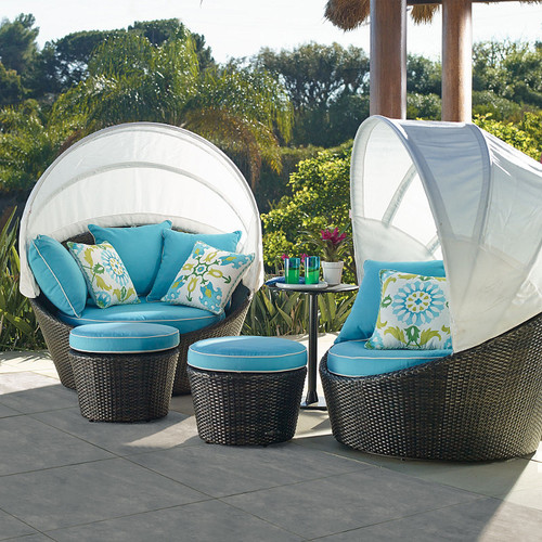 & I love this soleil canopy outdoor daybed