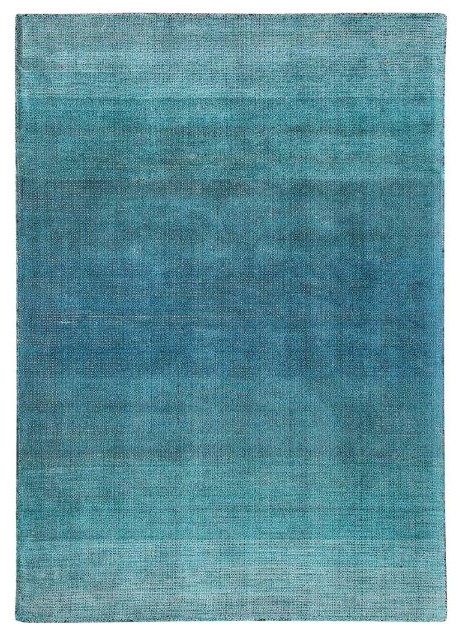 Adley Handwoven Blue Ombre Rug, 5&x27;x8&x27;.