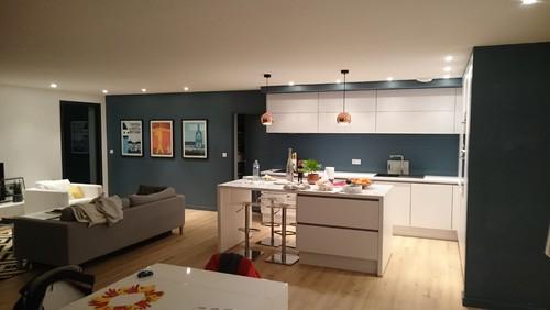 quelle cr dence pour ma cuisine. Black Bedroom Furniture Sets. Home Design Ideas