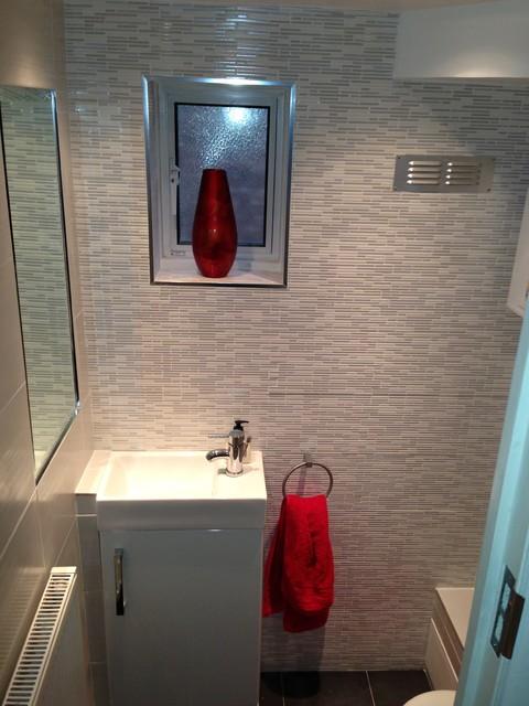 Bathroom Designs Under Stairs Home Design Ideas - Designs for small bathrooms under stairs