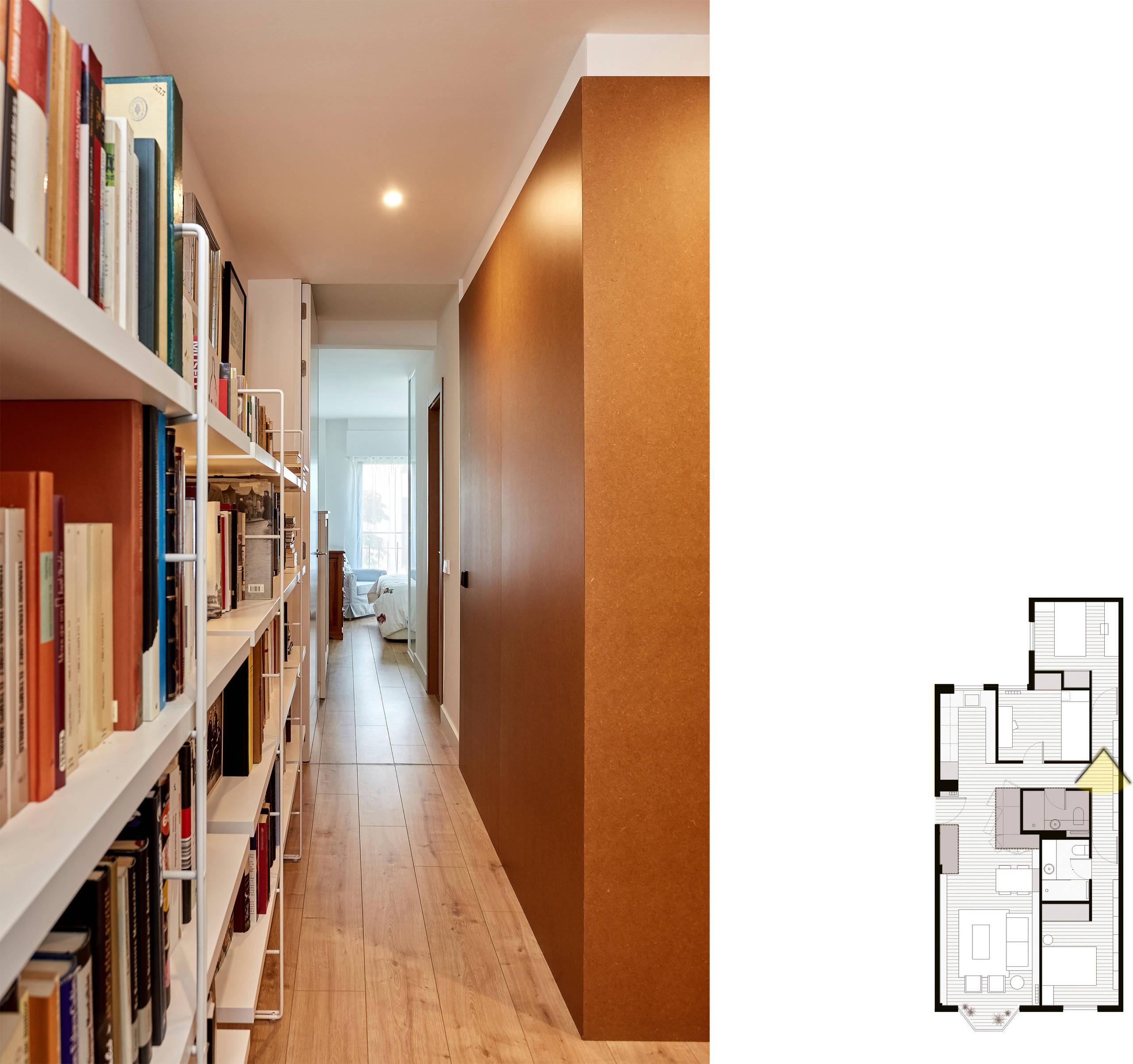 Vista general del pasillo, hacia la habitación principal.