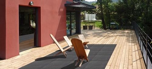 les terrasses bi mati re bois gr s c ram une nouvelle tendance pour l 39 ext rieur d couvrez. Black Bedroom Furniture Sets. Home Design Ideas