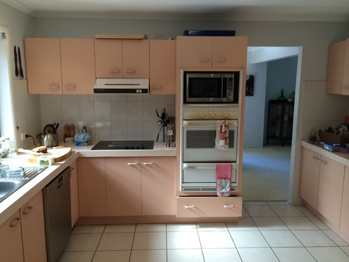 A 1980s kitchen renovation: Out with the pink, In with the timeless