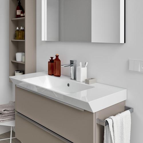 il mobiletto del bagno finitura lucida o tipo legno?