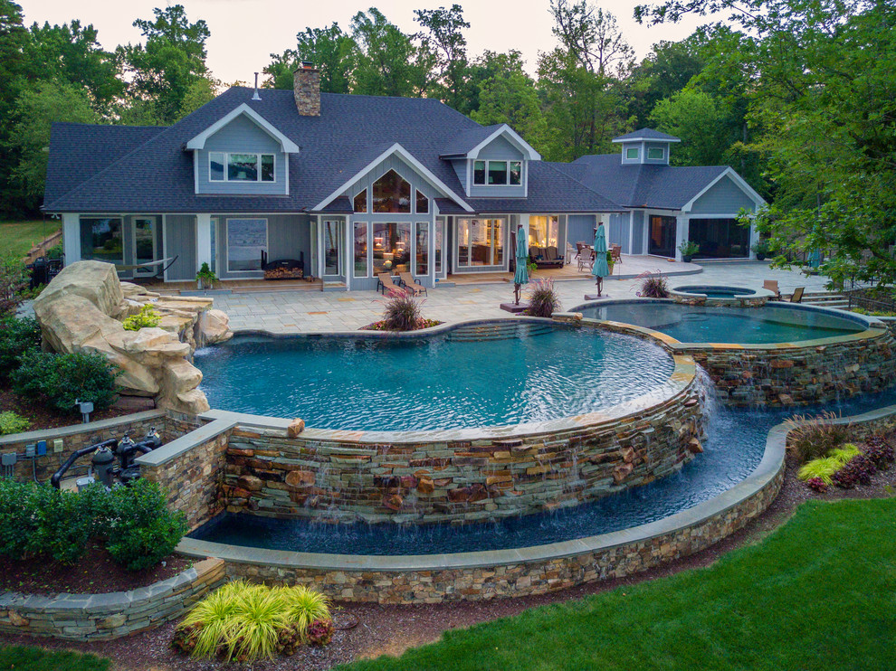 Lakeside Luxury Vanishing Edge Pool