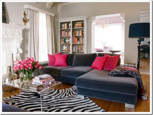Velvet couch living room (via Colour Me Happy) contemporary living room